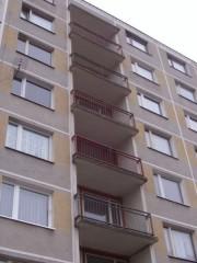 Ochrana lodžií proti vletu holubů Tachovská ul.Plzeň