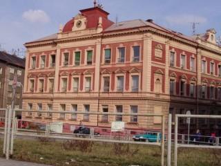 Ochrana proti holubům ZŠ Malická Plzeň