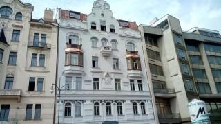 Ochrana fasády proti holubům Pařížská 26, Praha
